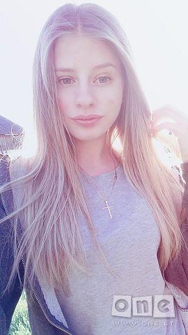 Laura Aaaa